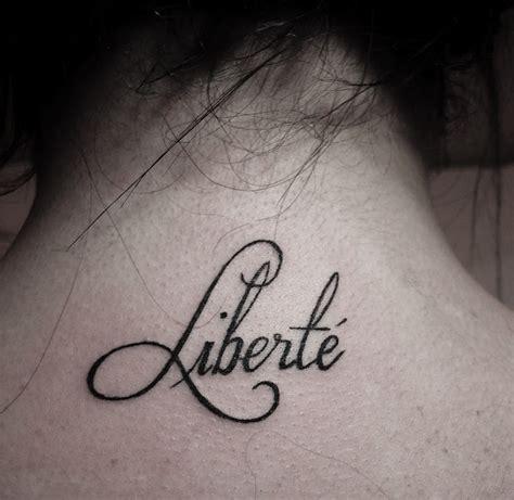 Tatouage Hirondelle Avant Bras Femme