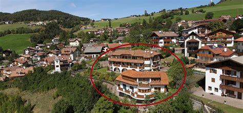 Appartamenti Siusi by Appartamenti A Siusi Allo Sciliar Residence Burghof In
