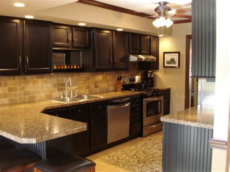 how to update laminate kitchen cabinets 22 year kitchen update updated kitchen by painting 8940