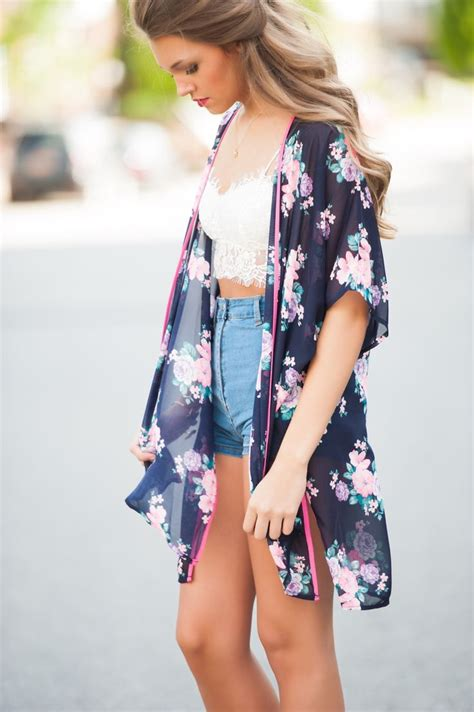 How To Wear Kimonos (Outfit Ideas) 2018 | FashionTasty.com