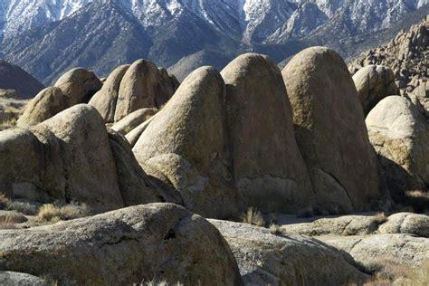 Spheroidal weathering granitic rock - Geology Pics