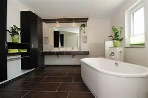 Badezimmer Mit Mosaik Gestalten : b der bernhard b ngeler gmbh fliesen platten mosaik fertigb der ~ Buech-reservation.com Haus und Dekorationen
