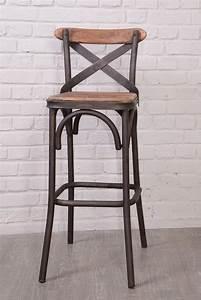 Les 25 meilleures idees de la categorie tabourets de bar for Deco cuisine avec chaise en cuir