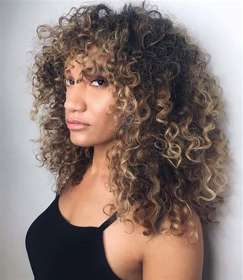 50 Brilliant Haircuts For Curly Hairstyle 2020 (Art