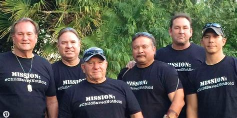 Team Of Retired Navy Seals And Police Detectives Save