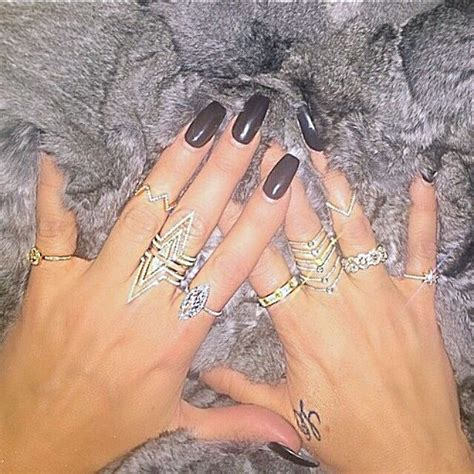 Khloe Kardashian Nails | Celeb Hidden
