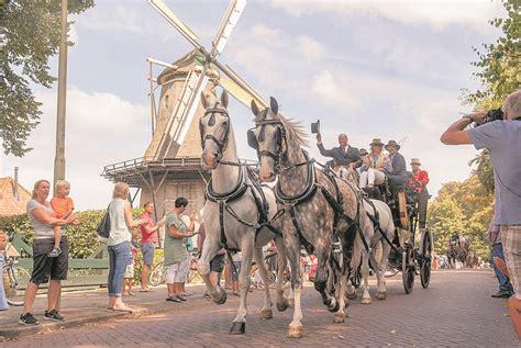 programma dorpsfeest santpoort zaterdag  juli de