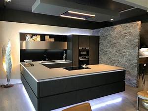 Cucina Con Penisola Stone Art Artigianale Con Un Ribasso Del 42