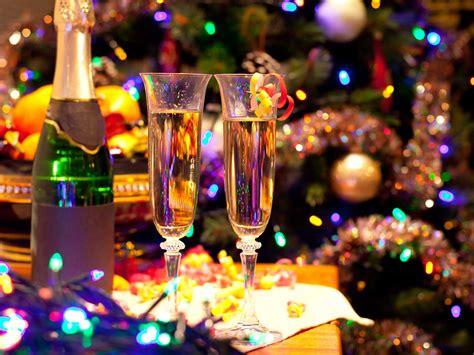 christmas cocktail party christmas party drink ideas saga