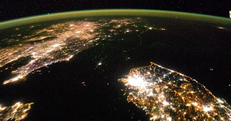 north korea shrouded  darkness  stunning  photo