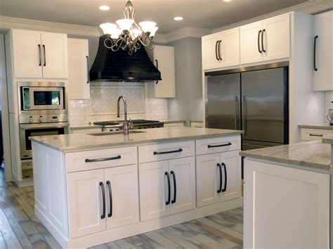 white shaker kitchen cabinets with quartz countertops pictures of kitchens with white cabinets and quartz White Shaker Kitchen Cabinets With Quartz Countertops