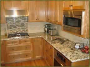 backsplash tile ideas for kitchen home design ideas - Kitchen Backsplash Ideas With Oak Cabinets