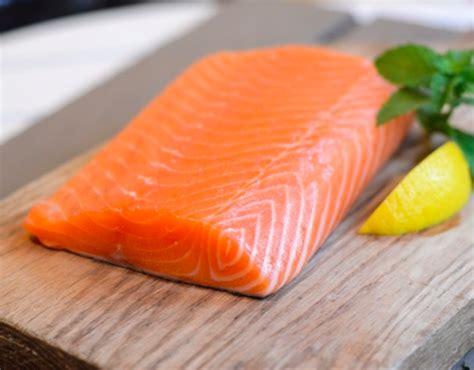 cuisiner filet de saumon saumon et filet de saumon marée