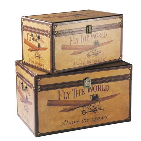 ensemble bureau et rangement 2 malles en bois l 59 et l 69 cm aviateur maisons du monde