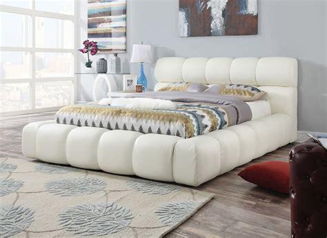 Acme Furniture 25047 White Platform Eastern King Platform
