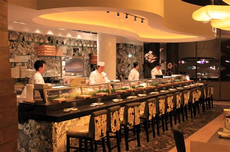cuisine bar among vegas towering megaresorts nobu hotel manages to