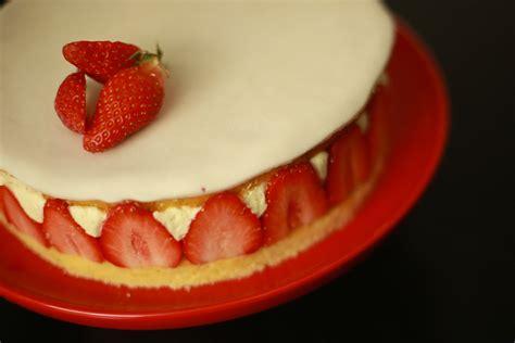 herve cuisine recette du fraisier facile et léger avec hervé cuisine