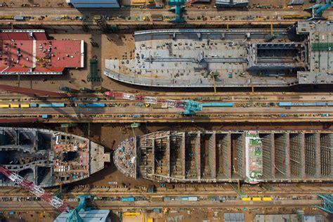 ships  construction  hyundai heavy industries