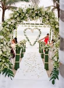 ceremonie laique mariage 10 somptueuses décorations pour une cérémonie en extérieur mariage