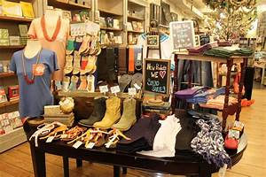Small boutique, clothing boutique interior design ideas