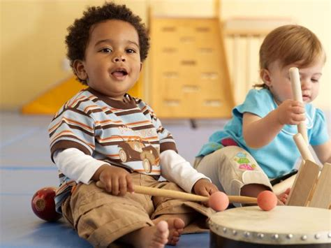 The basics of music classes for toddlers. Kids in Harmony: A Music Class for Young Children - Des Moines Parent