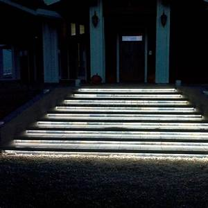 Led Lichtleiste Outdoor : led beleuchtung treppenstufen aussen wohn design ~ Orissabook.com Haus und Dekorationen
