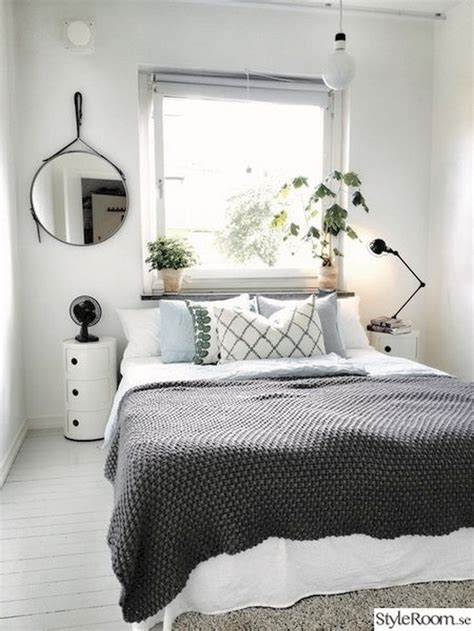 small cozy bedroom ideas 25 best ideas about cozy small bedrooms on pinterest desk space uni dorm and ikea bedroom design