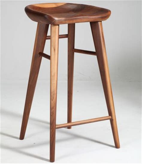 reasons to use wood bar stools goodworksfurniture