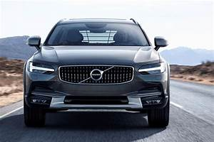 Volvo V90 Cross Country : jacked premium volvo v90 cross country revealed by car magazine ~ Medecine-chirurgie-esthetiques.com Avis de Voitures