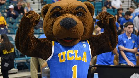 Ucla Mascot Tries Risque Move To Distract Oregon Free