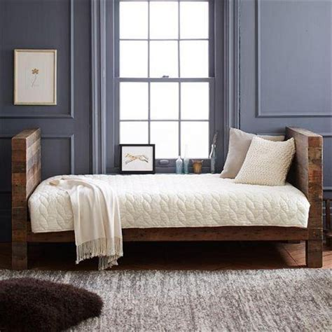 33914 lovely pallet day bed upcycled pallet daybed ideas pallet wood projects