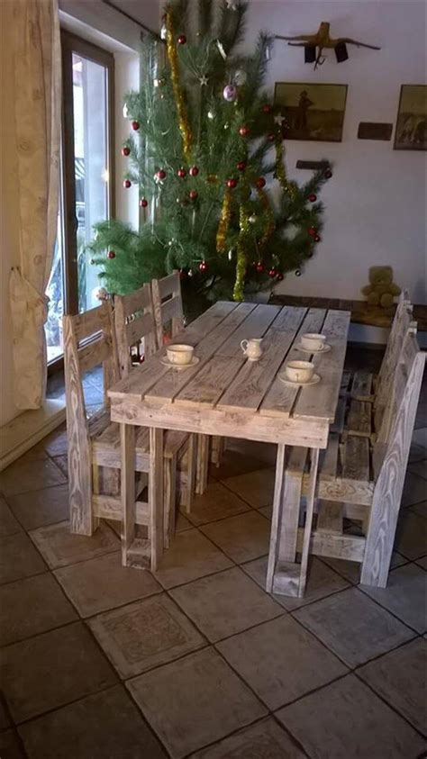 wooden pallet dining furniture set  pallets