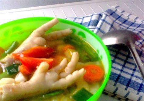 Sangat mudah sekali bukan membuat sop cekerayam yang gurih ini ?? Resep Sop Sayur Ceker oleh Nona Hartono - Cookpad