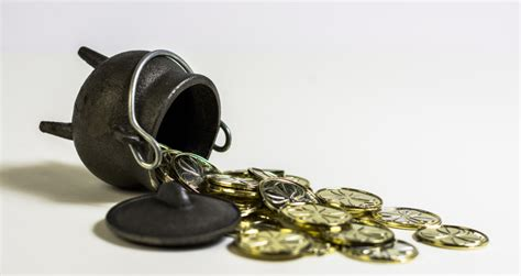 pot of gold line pay policy line the pot of gold in compensation talent management saba halogen