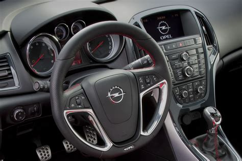 opel astra gtc interieur image gallery 2011 astra interior