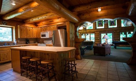 Whitetail Lodge   Barothy Lodge