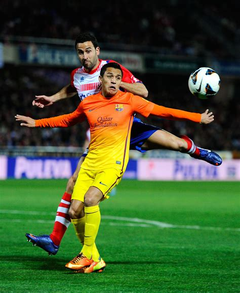 Alexis Sanchez, Inigo Lopez - Alexis Sanchez Photos ...
