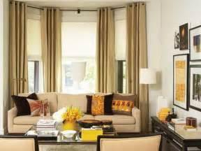 Living Room Bay Window Treatment Ideas
