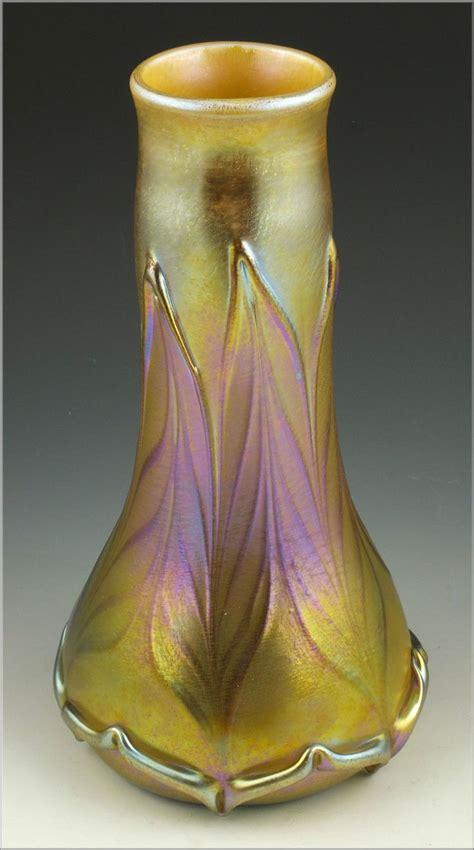 marvelous quezal vase  leaf pattern ebay art glass