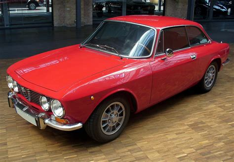 Alfa Romeo 2000 by Alfa Romeo 2000 Gt Veloce 2 1972 Racing Cars