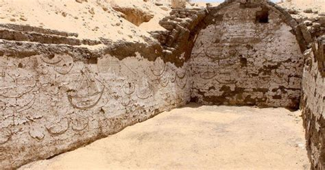 ancient images uncovered  egyptian pharaohs tomb