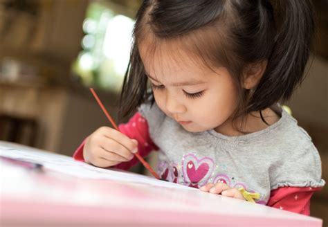 learn amp discover preschool 664 | painting e1393695030488