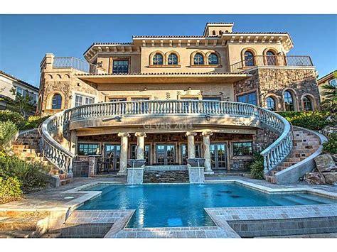 beautiful grand staircase   backyard reminds