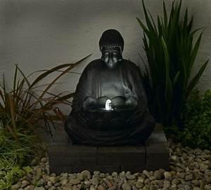 Buddha Statue Im Garten : buddha brunnen 50 inspirierende fotos ~ Bigdaddyawards.com Haus und Dekorationen