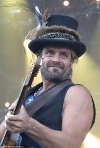 xavier rudd has his wikipedia hijacked after his song