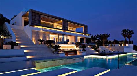 6 Must Follow Tips to Market a Luxury Home - Zricks.com