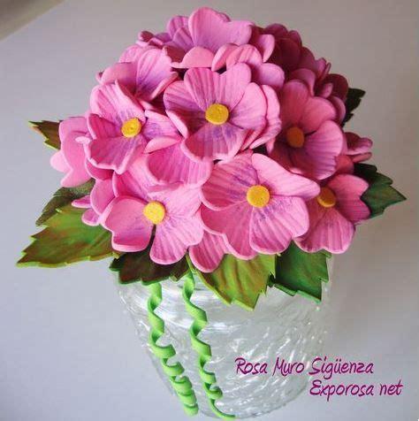 cómo hacer flores con goma eva Artesanías de flores