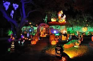 Our, Top, 10, Favorite, Halloween, Light, Displays, In, 2015