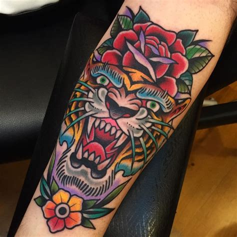 Best 25+ American Traditional Tattoos Ideas On Pinterest