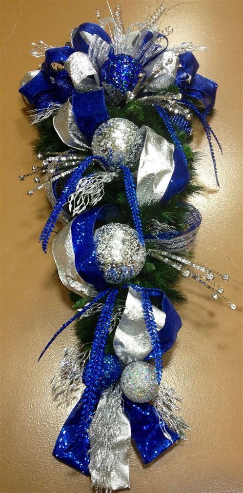 christmas large teardrop   front door  royal blue